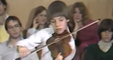 14 year old Joshua Bell plays for legendary teacher Josef Gingold