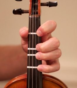 Learn How To Put Fingerboard Tapes On Your Violin – StringClub